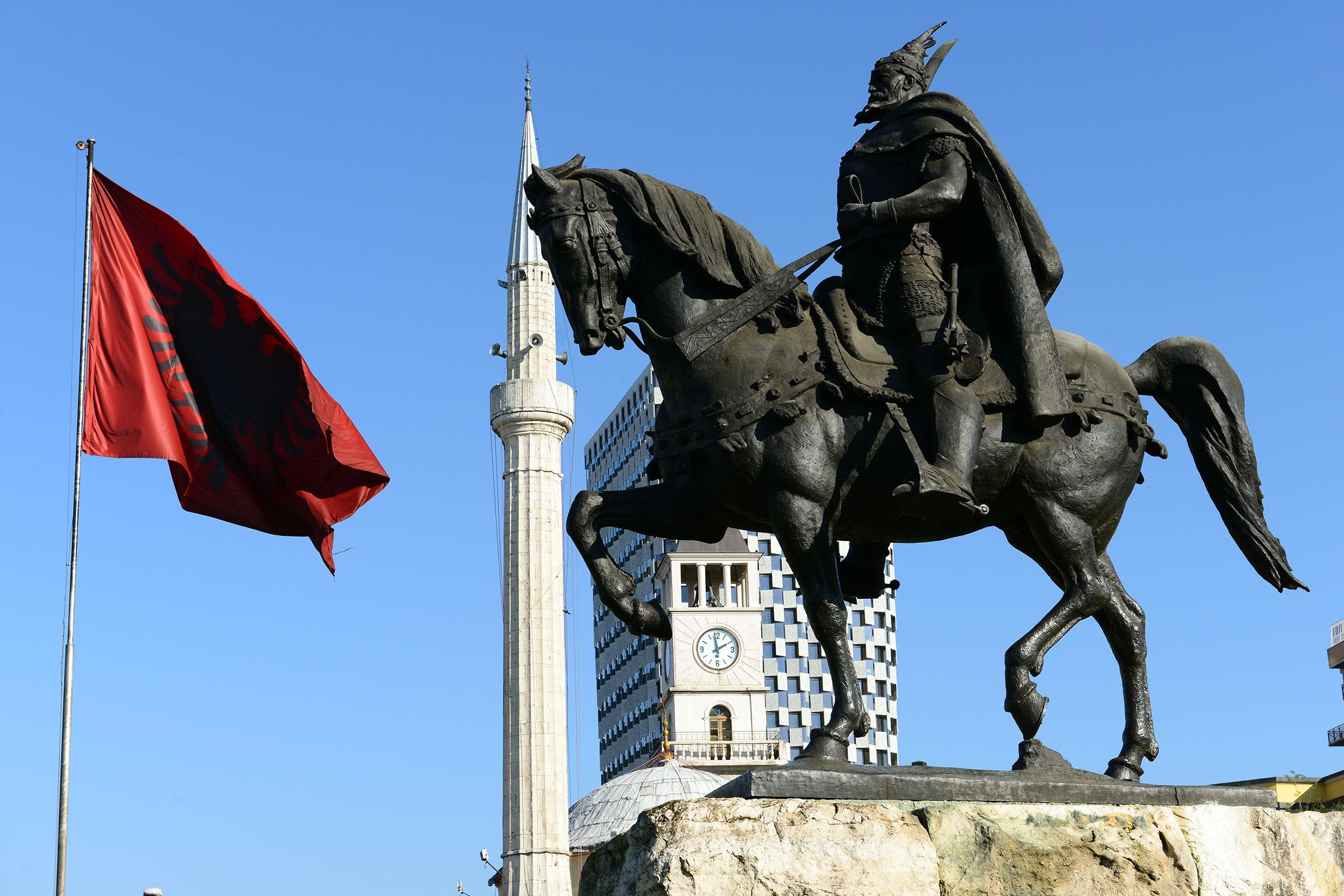 Más (Albánia)